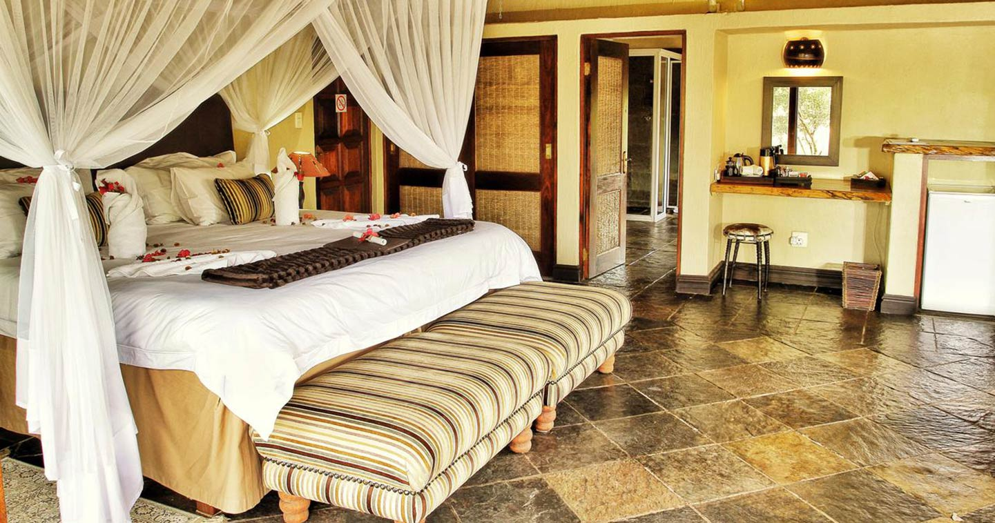 Enjoy the luxury bedroom at Kambaku River Sands in Timbavati Game Reserve