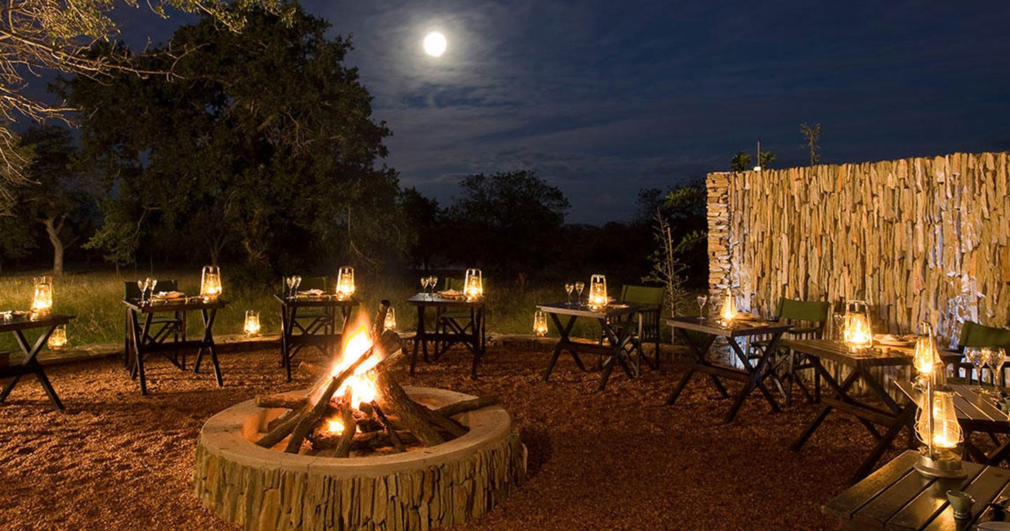Makanyi Lodge Dining in Timbavati