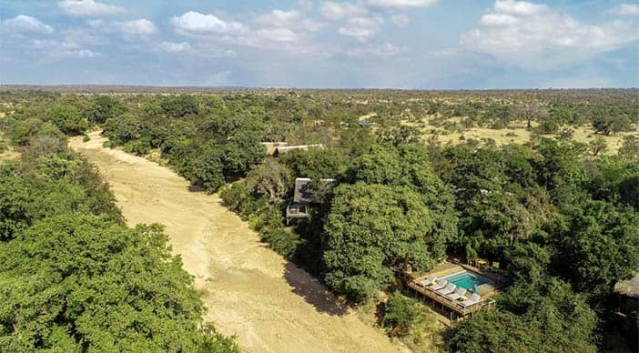 Pay 2 stay 3 special offer at Bateleur Safari Camp